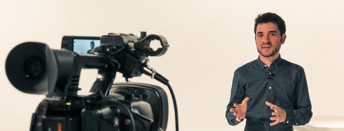 Anto Garzía, Head of Social Media Management, en una entrevista